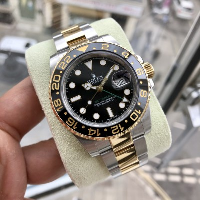 Rolex GMT Master II 116713LN 'Excellent condition '
