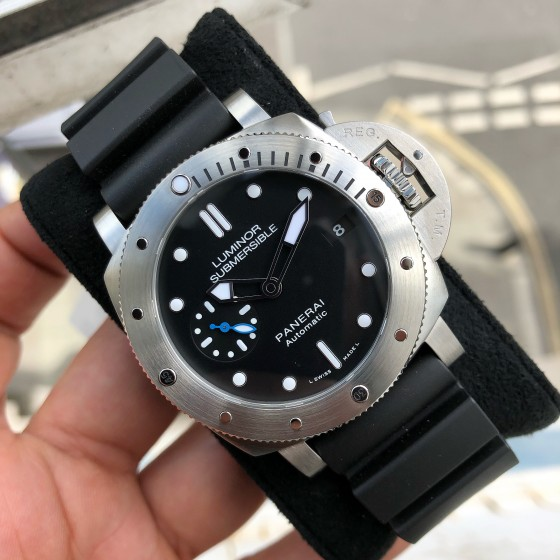 Panerai Luminor Submersible PAM00682 'Available to order ' image 4